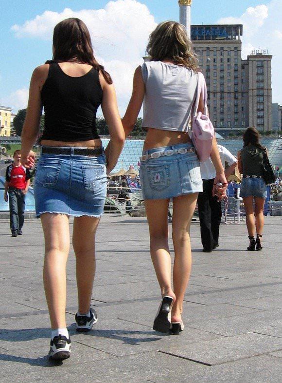 金髪美女も混じってる海外美人たちを盗撮した街撮りポルノ画像 1050