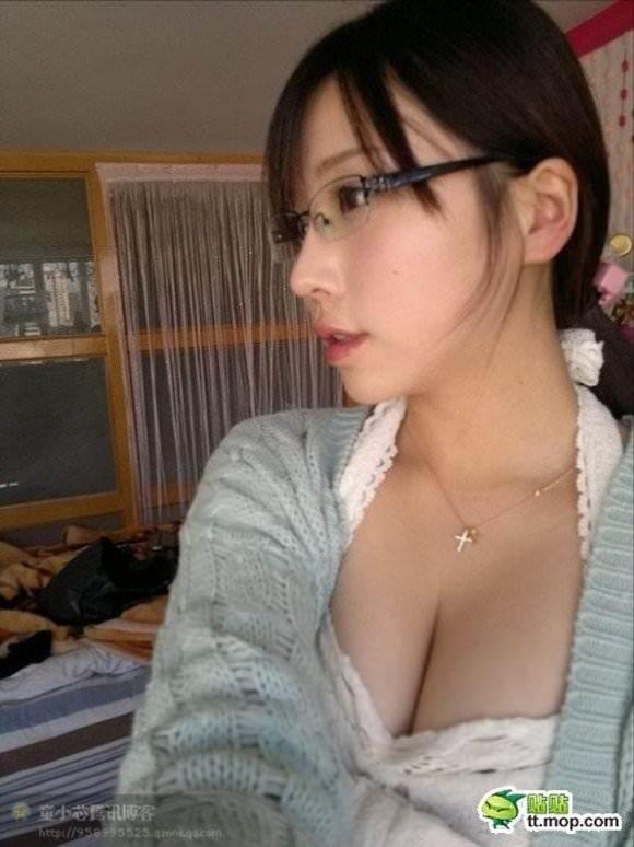 噂の美少女台湾娘がガチで可愛い胸チラポルノ画像 1170