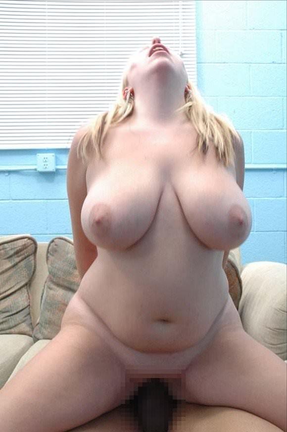 ぽっちゃり系でもアメリカの白人女性はエロ可愛いおデブちゃんヌードポルノ画像 1410