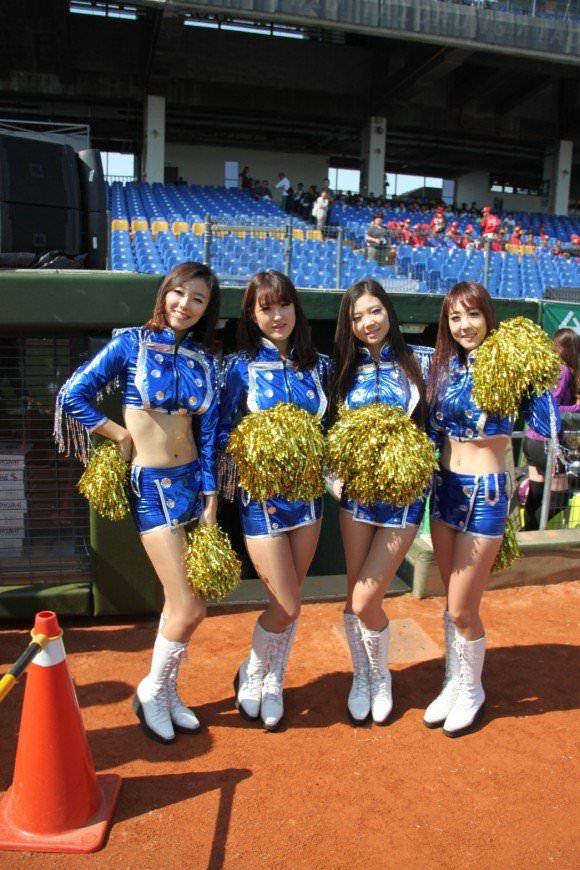 台湾野球のチアガールたちが可愛すぎて鼻血でそうなポルノ画像 1428