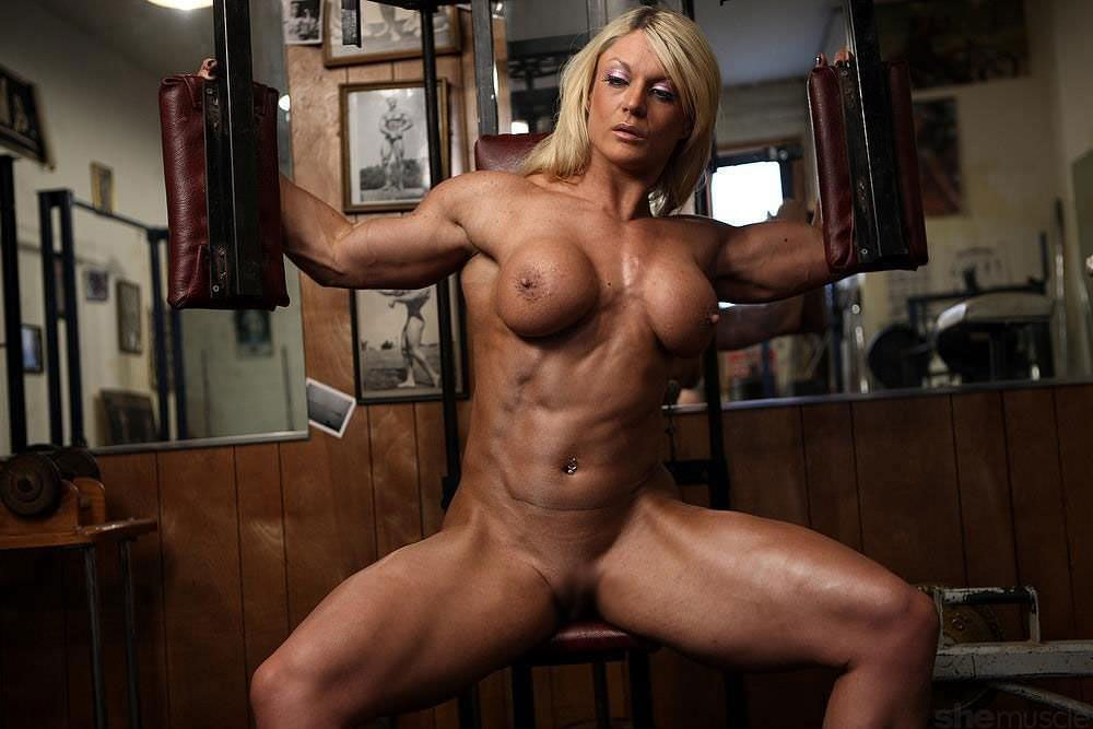 bodybuilder-woman-desnudas-women-cum-mouth