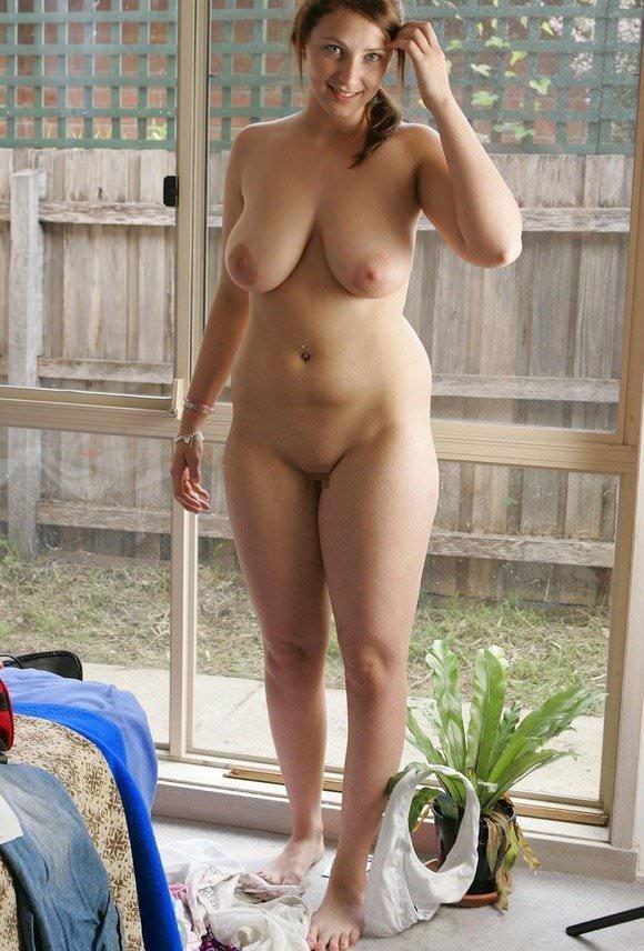 ぽっちゃり系でもアメリカの白人女性はエロ可愛いおデブちゃんヌードポルノ画像 179