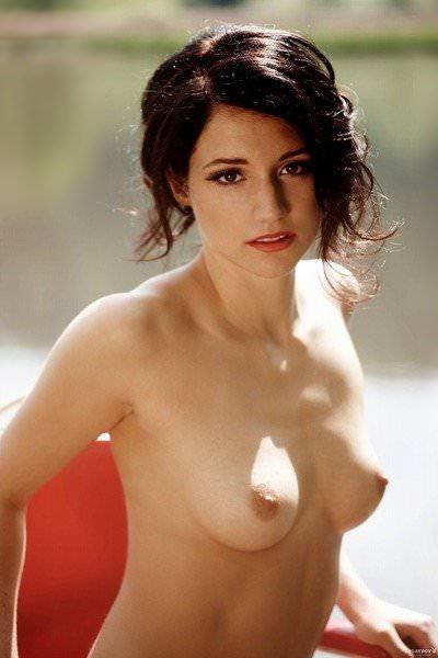 チームの活動資金を稼ぐためにヌードになったドイツ人美女たちのポルノ画像 1839