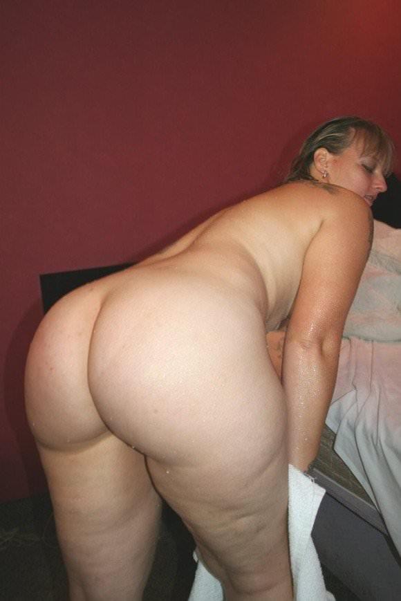 ぽっちゃり系でもアメリカの白人女性はエロ可愛いおデブちゃんヌードポルノ画像 209
