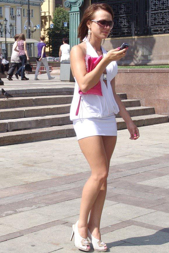 金髪美女も混じってる海外美人たちを盗撮した街撮りポルノ画像 2146