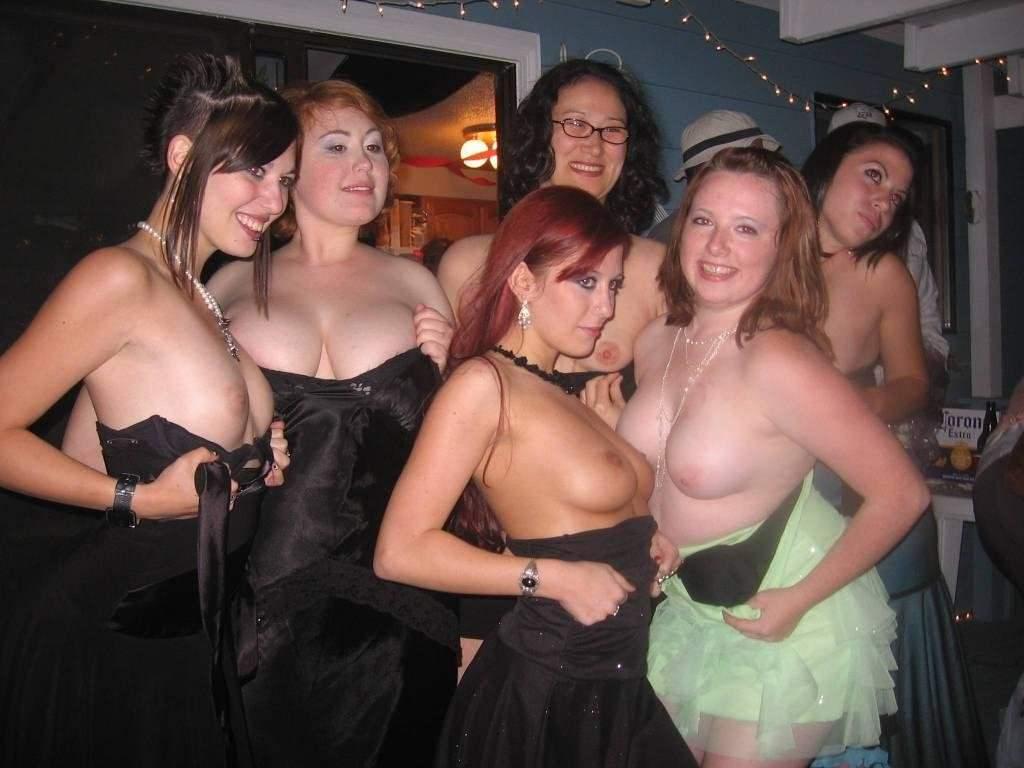 女体が集団で素っ裸なヌードポルノ画像 2247