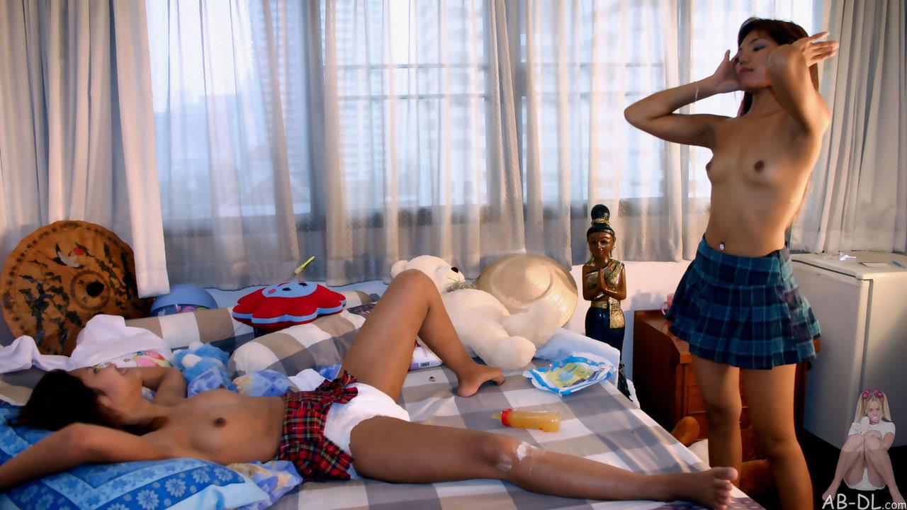 東南アジア系の浅黒い美人たちのヌードポルノ画像 2434