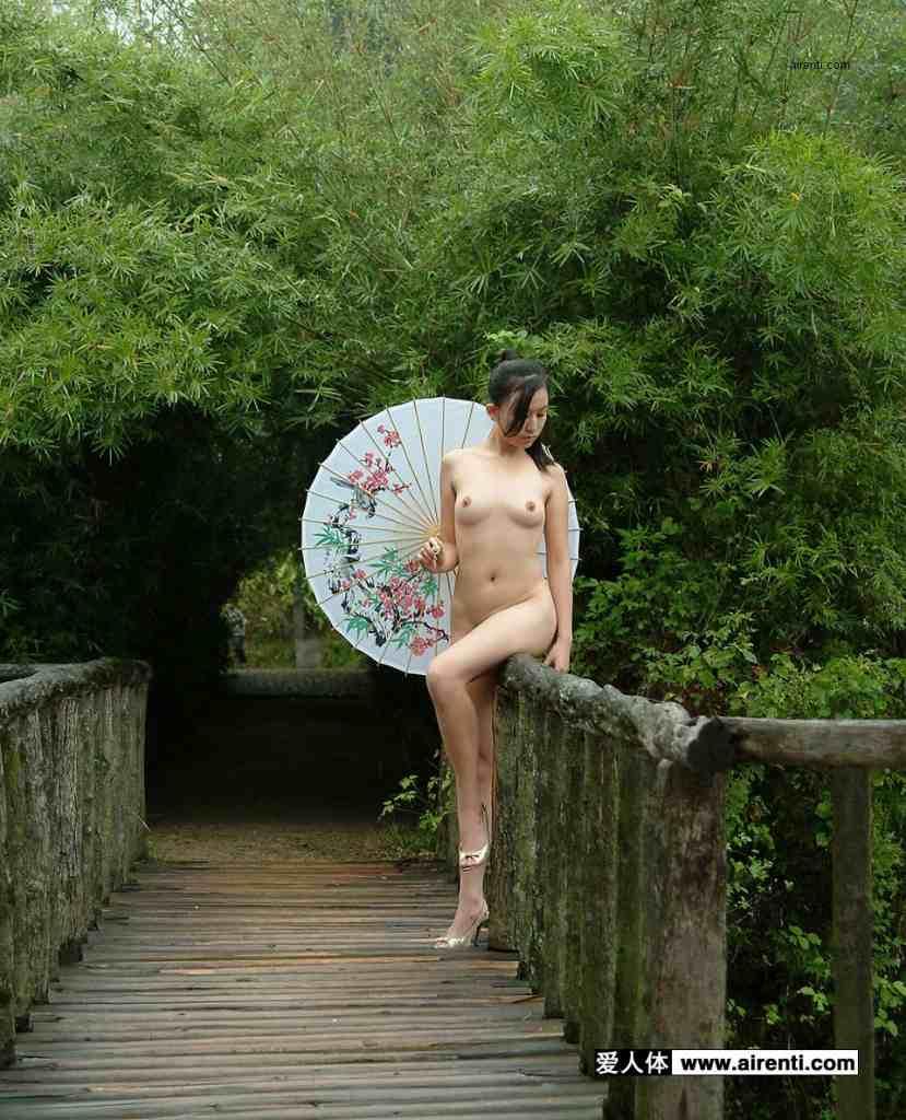 妖艶な美しさが股間をそそる中国美人のヌードポルノ画像 280