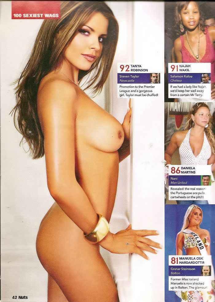 チームの活動資金を稼ぐためにヌードになったドイツ人美女たちのポルノ画像 542
