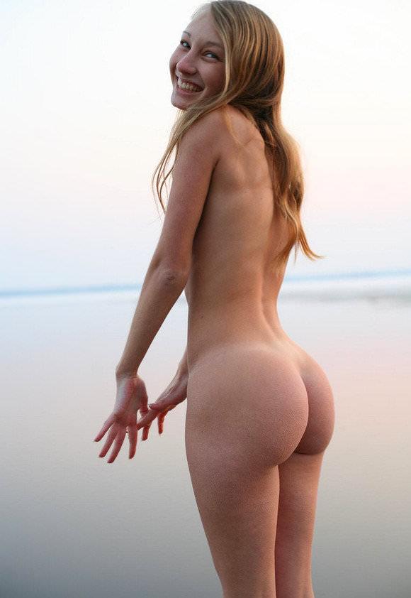 ペチペチ腰を打ち付けたい最高にセクシーな海外美人のお尻ポルノ画像 619