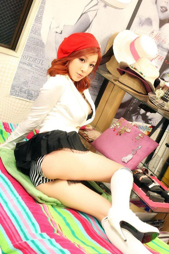 韓国系風俗で働くめちゃシコ可愛い娘たちのポルノ画像 62