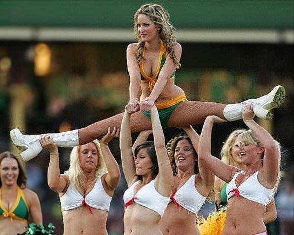 アメリカのチアガールダンスはエロすぎて本当抜けるポルノ画像 755