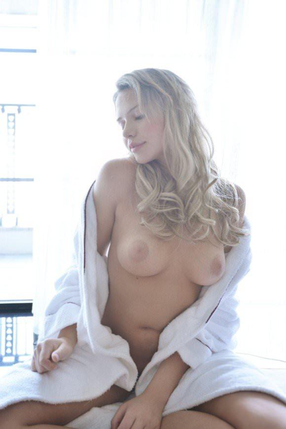 巨乳金髪美人のミア楓キャメロンが可愛すぎてめちゃシコポルノ画像 78