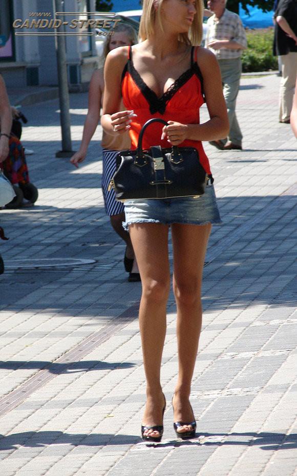 金髪美女も混じってる海外美人たちを盗撮した街撮りポルノ画像 850