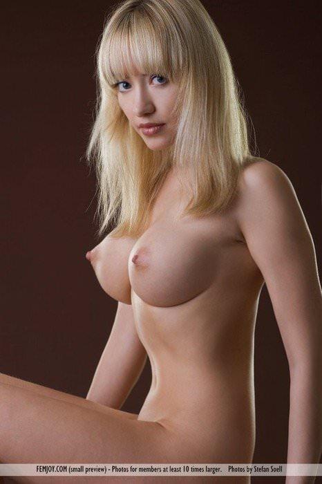 白人の美女ならではの完全無欠の超絶巨乳おっぱいwwwww 1034