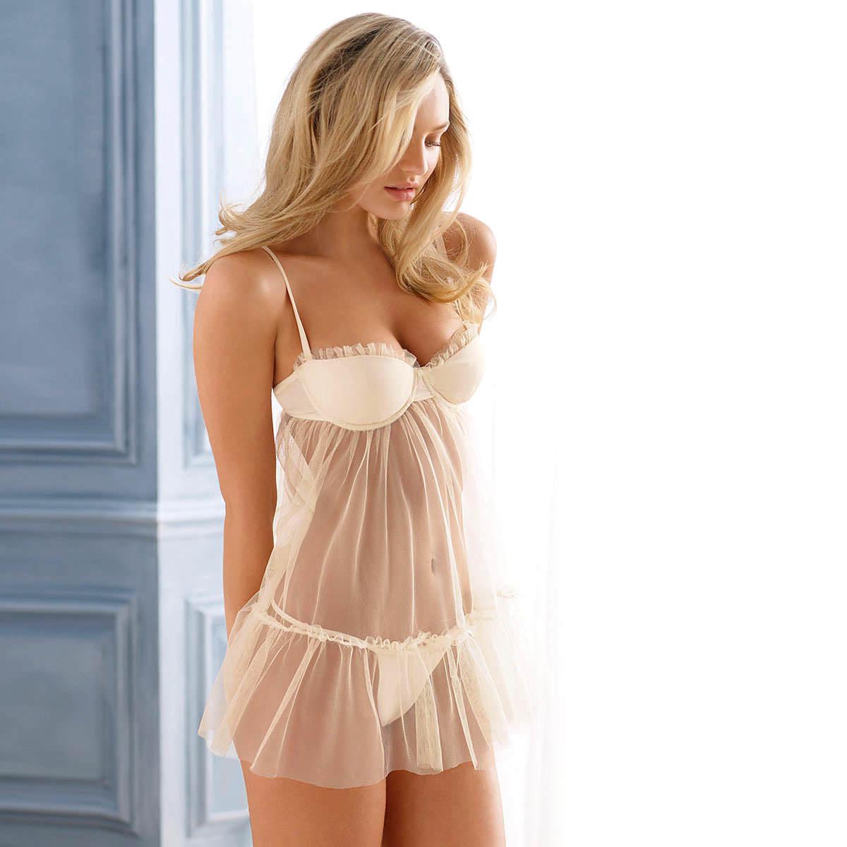 グラマラスバディーが下着を付けててもエロ過ぎる海外美人のポルノ画像 131