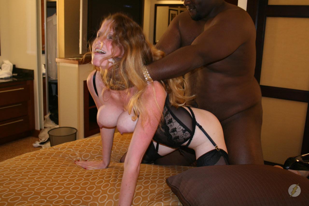 黒人の超絶BIGチンポに侵される白人美人のSEXポルノ画像 1314