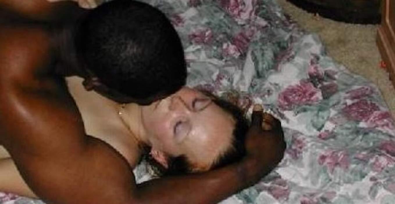 黒人の超絶BIGチンポに侵される白人美人のSEXポルノ画像 238