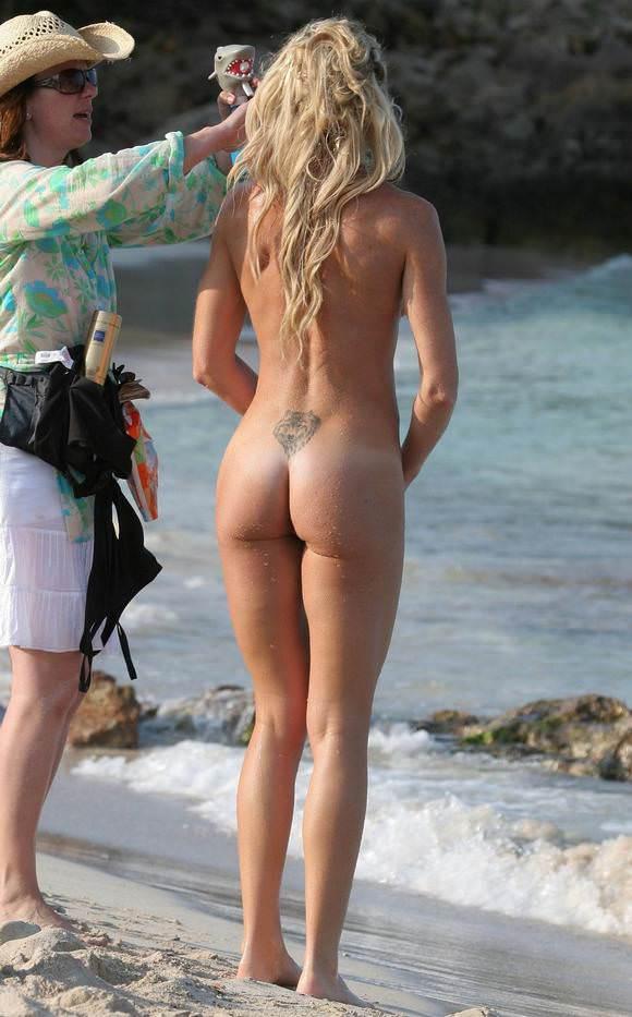 勃起を抑えきれず無理やり犯したくなるヌーディストビーチの全裸美人たちのポルノ画像 240