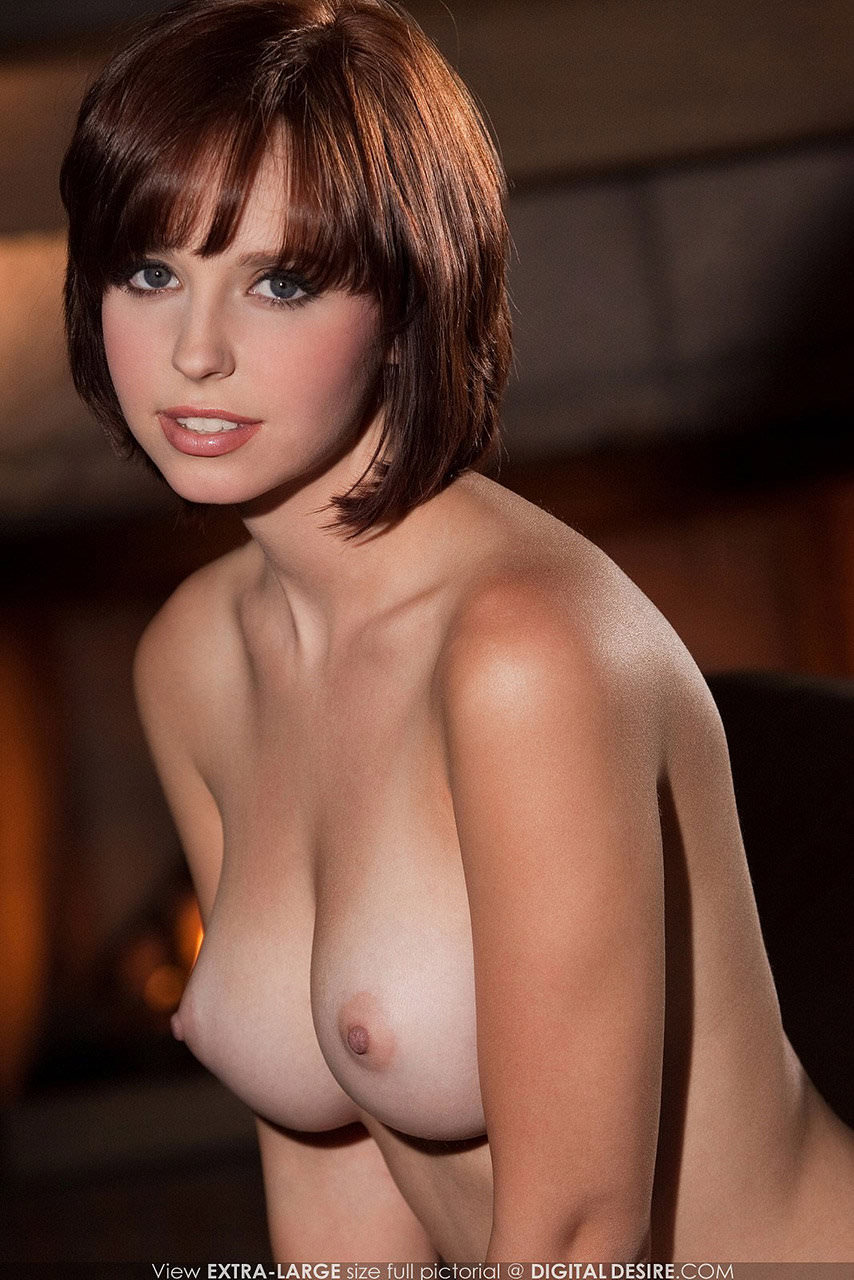 唾液まみれにベロベロに舐め回したい海外巨乳おっぱいのポルノ画像 316