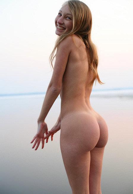 ムッチリ柔らかくふっくらした海外美女のお尻ポルノ画像 324