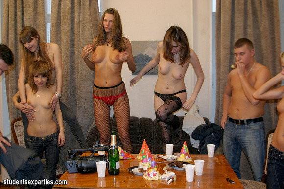 外人の乱交パーティーの様子がこちらですwwww 333