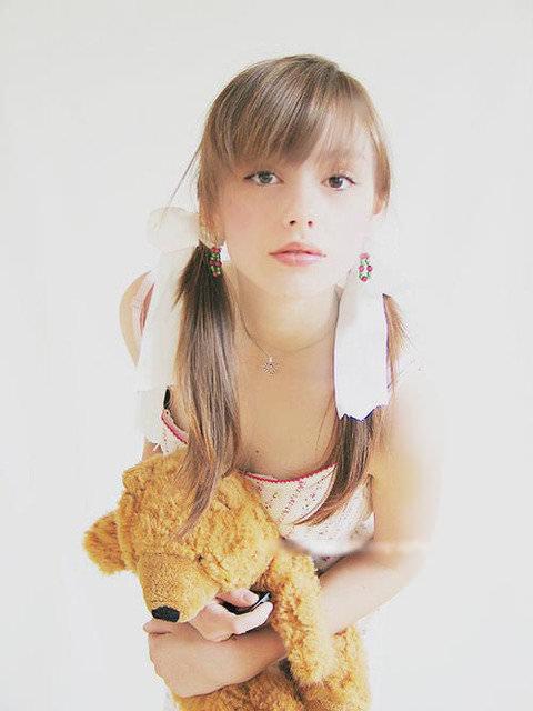 幼顔でめっちゃロリな女の子の美少女ポルノ画像 43