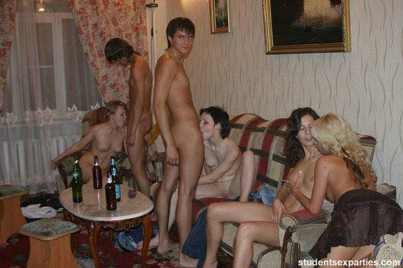 外人の乱交パーティーの様子がこちらですwwww 727