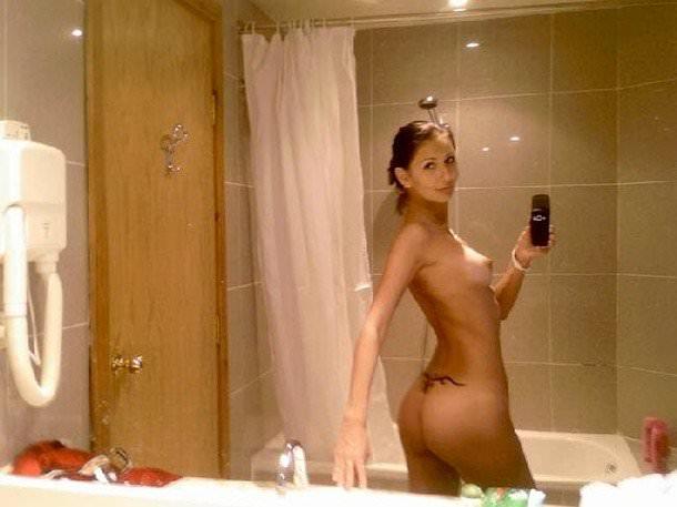 性に寛容な海外女子大生の素っ裸自画撮りヌードが熱いwwww 927