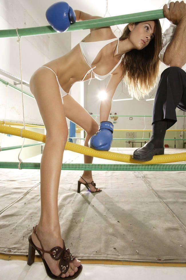 超セクシーなビキニギャルのボクシングが激しすぎて勃起しちゃうwwwwwwwwww 11115