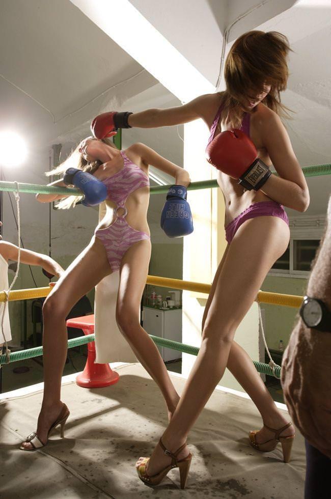 超セクシーなビキニギャルのボクシングが激しすぎて勃起しちゃうwwwwwwwwww 11120