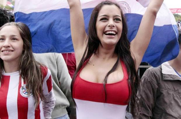 海外美人サッカーサポーターが巨乳おっぱいにスマホ隠してる件wwwwww 11123