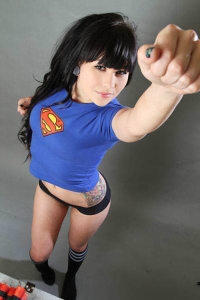 可愛いスーパーヒーローのパンツを履いてる下着姿スコwwwwww 11213