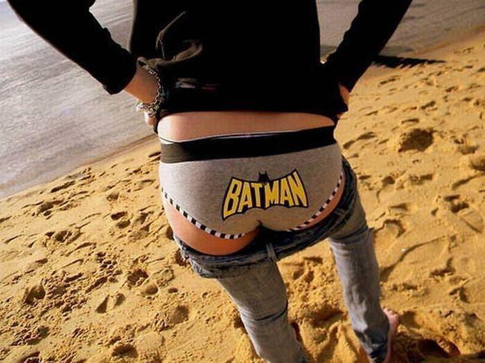 可愛いスーパーヒーローのパンツを履いてる下着姿スコwwwwww 11245
