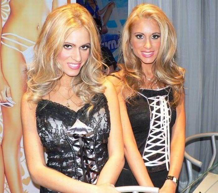 双子の姉妹でセクシーなポーズを決めるビキニがエロいwwwwwwww 1180