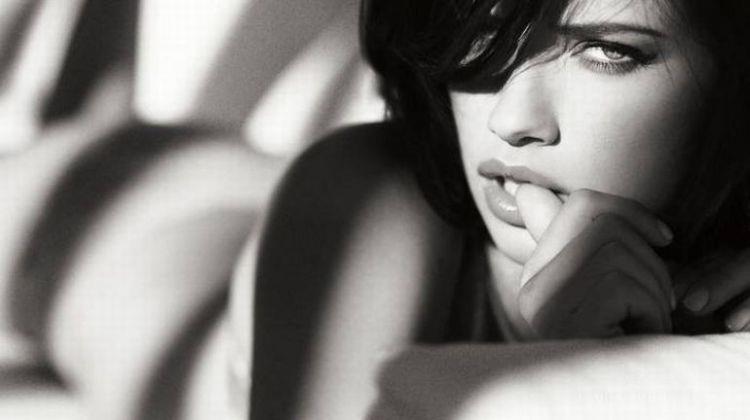 ぽってりとしたセクシーな唇を持つ海外女性の口マンコwwwwwwwwww 1409073002