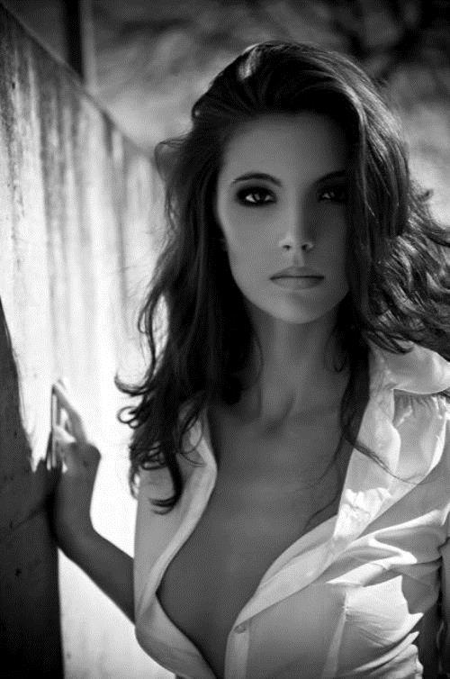タップタプの乳房に手を挟んで柔らかさを感じたい巨乳おっぱいwwwwwwwww 1409074025