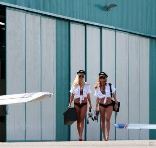 パイロットやCAのコスプレした海外美人のポルノ画像 2549