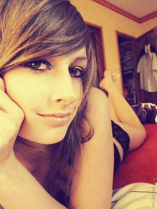 【海外美人】ネットに自画撮りをうpする素人娘がみんな可愛すぎて草wwwww 3065