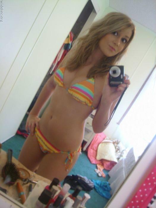 【海外美人】ネットに自画撮りをうpする素人娘がみんな可愛すぎて草wwwww 3066
