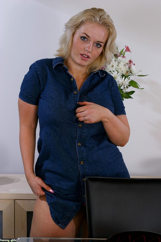 【人妻】こういうママンな外人女性のエロ画像ってどう? xup7zruhmer