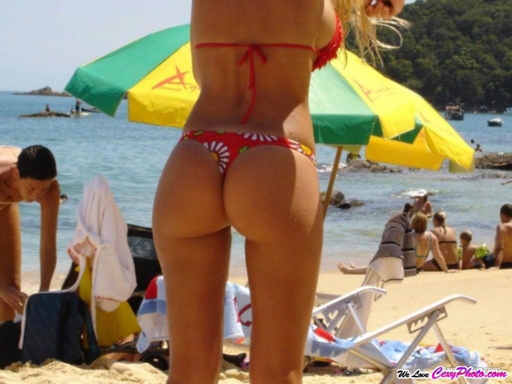 海外のビーチでナイスバディーを露するセクシービキニギャルwww 0103