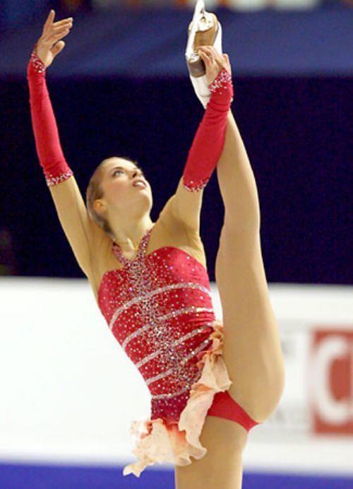 フィンランドのフィギュアスケート選手キーラ・リンダ・カトリーナ・コルピが美人すぎて抜けるwwwww 0402