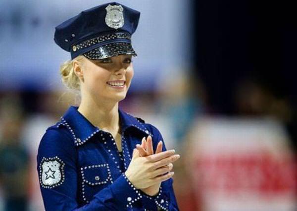 フィンランドのフィギュアスケート選手キーラ・リンダ・カトリーナ・コルピが美人すぎて抜けるwwwww 0403