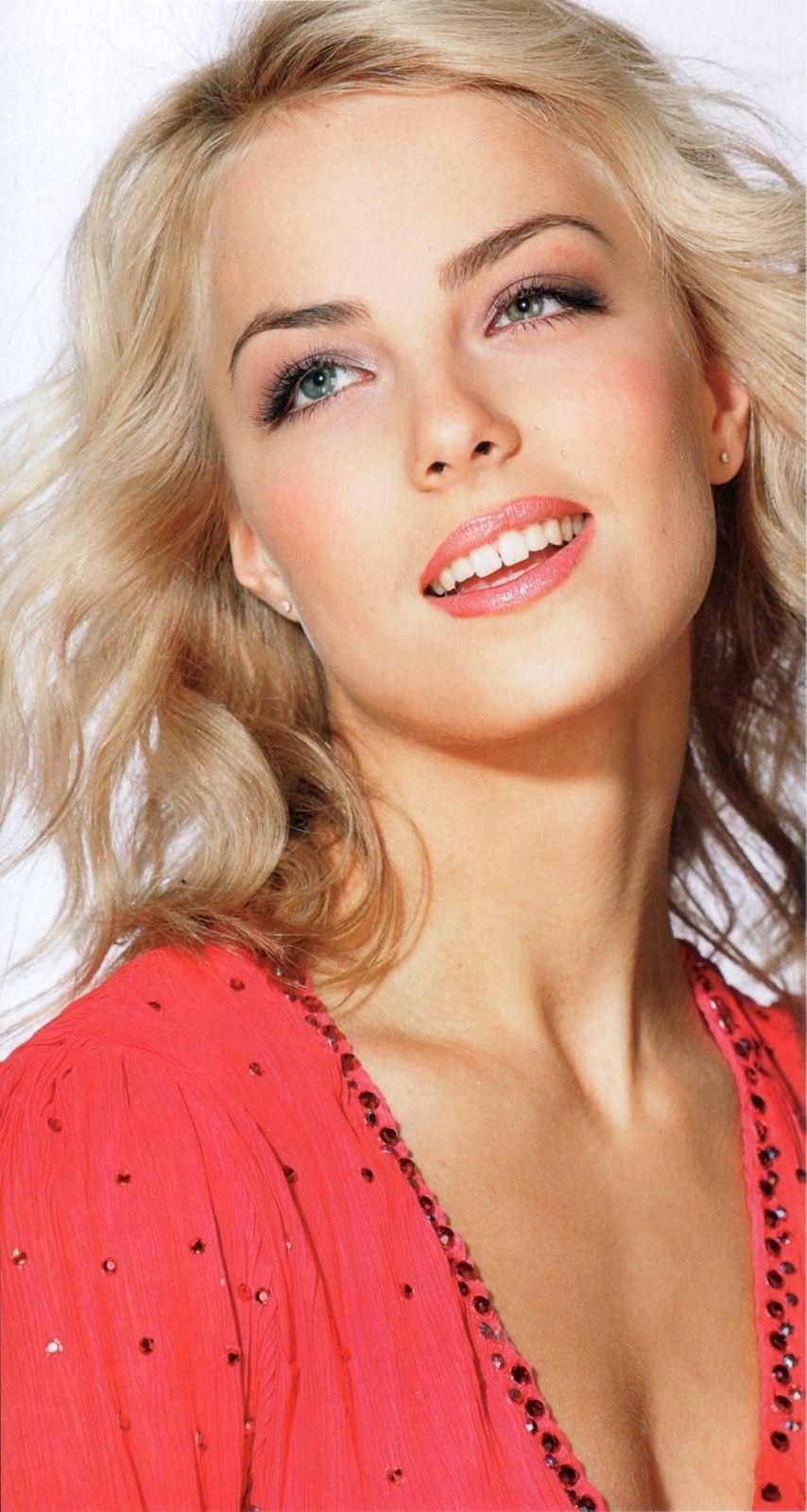 フィンランドのフィギュアスケート選手キーラ・リンダ・カトリーナ・コルピが美人すぎて抜けるwwwww 0414