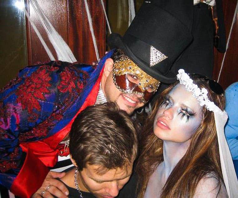 ハロウィンの衣装を身に纏いコスプレするスーパーモデルが美人すぎるwwww 0426