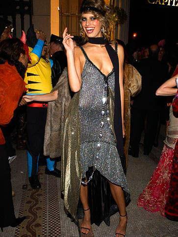 ハロウィンの衣装を身に纏いコスプレするスーパーモデルが美人すぎるwwww 0434