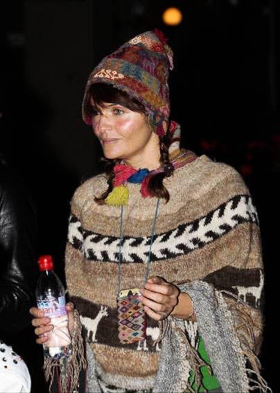 ハロウィンの衣装を身に纏いコスプレするスーパーモデルが美人すぎるwwww 0437