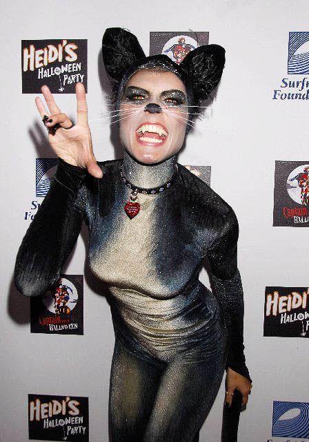 ハロウィンの衣装を身に纏いコスプレするスーパーモデルが美人すぎるwwww 0439