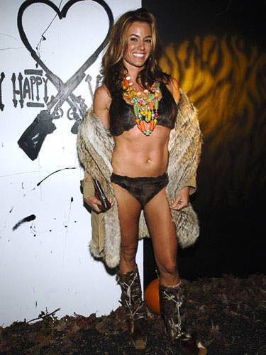 ハロウィンの衣装を身に纏いコスプレするスーパーモデルが美人すぎるwwww 0446